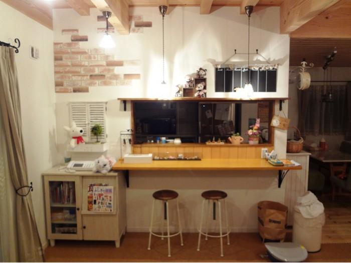我が家の最大の売り物であるキッチン・カフェのカウンター。
