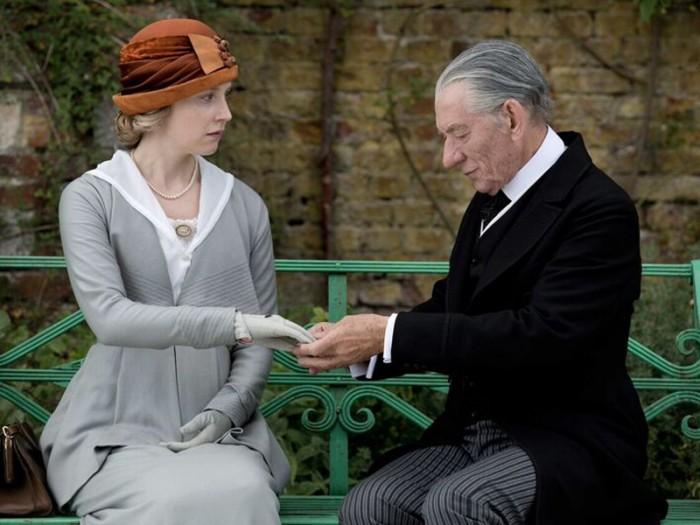 ホームズを引退に追い込んだ未解決事件とは……。危うい記憶をたぐり寄せる。