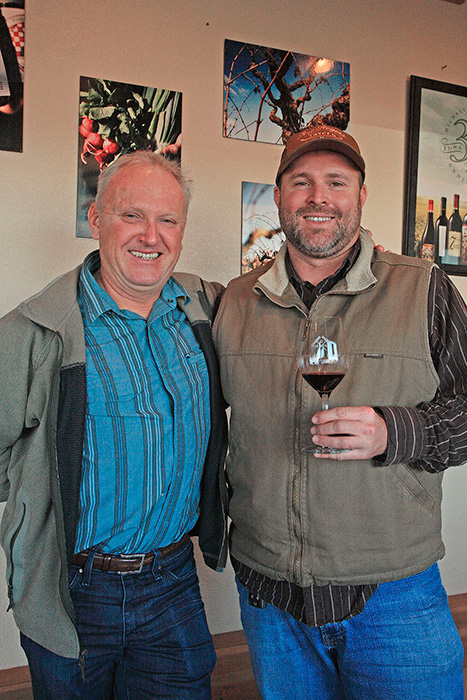 左がオーナーのデイヴィッド・フィリップス。右はチーフ・ワイン・メーカーのアダム・メトラー