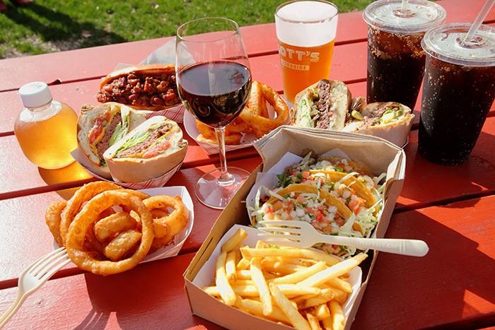 路傍のハンバーガー屋、ゴッツ・ロードサイド。ハンバーガーだけでなくタコスともGOOD