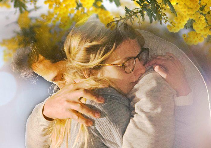『ミモザの島に消えた母』©2015 LES FILMS DU KIOSQUE FRANCE 2 CINÉMA TF1 DROITS AUDIOVISUELS UGC IMAGES