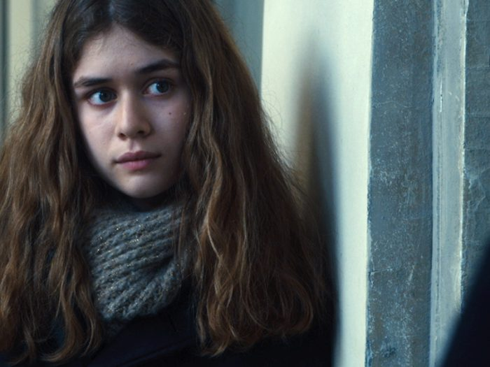 アントワーヌの娘マルゴ(アンジェル・ガルニエ)は多感な時期だが、アントワーヌの行動に影響を受け自らも心を開く決意をする。アントワーヌによる真実の追求と同時に、マルゴの心の真実も明かされていく。