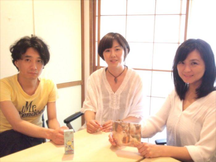左からソワレくん、ナナマリさん、島田奈央子さん。