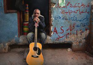 この夏は目にも耳にも香しいパキスタン映画を異なる「作法」も「文法」も軽々超えてパキスタン発の音楽が世界をスウィング