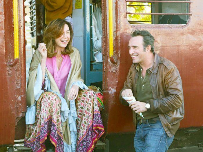 映画音楽作曲家アントワーヌ(ジャン・デュジャルダン)とフランス大使夫人のアンナ(エルザ・ジルベルスタイン)がインドで出会い、意気投合。恋に落ちてしまう。