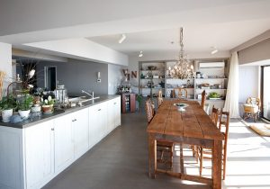 dacapo×TOKOSIE大きなテーブルとキッチンでお客様をおもてなし