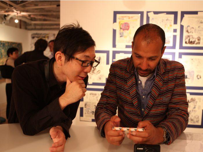 サックスの大石俊太郎さんとフランクさん。ライブ終了後の和やかなワンシーン。