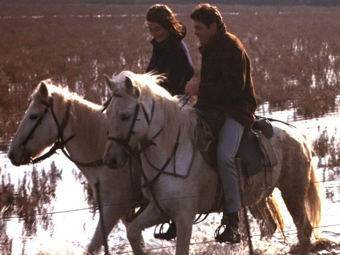 映画『男と女』より。ピエール・バルーさんの役はアンヌの亡夫ピエール、映画のスクリプターのアンヌが参加する映画のスタントマン。ありし日のピエールとの楽しい回想シーンで『サンバ・サラヴァ』が流れます。