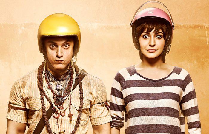 黄色いヘルメットのPK(アーミルカーン)とテレビレポーターのジャグー(アヌシュカ・シャルマ)。とってもキュートな名コンビ。