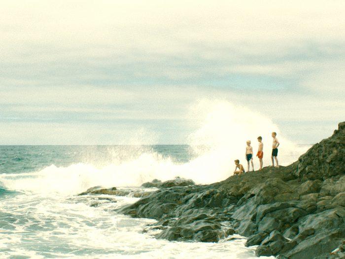 荒々しい海流に隔絶されたとある島。