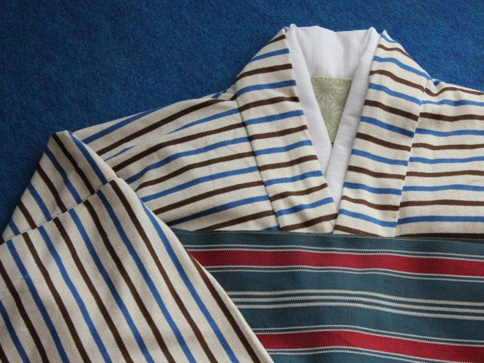呉服は横縞は案外少ないものです。着物好きは注目しますよ。