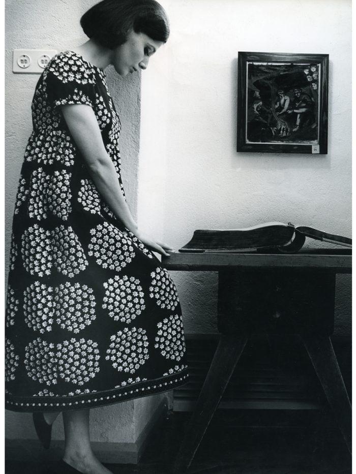 ドレス『カトリッリ』ファブリック『プケッティ』(ブーケ)、服飾・図案デザイン:アンニカ・リマラ、1964年 Design Museum Archive / Photo: Seppo Saves