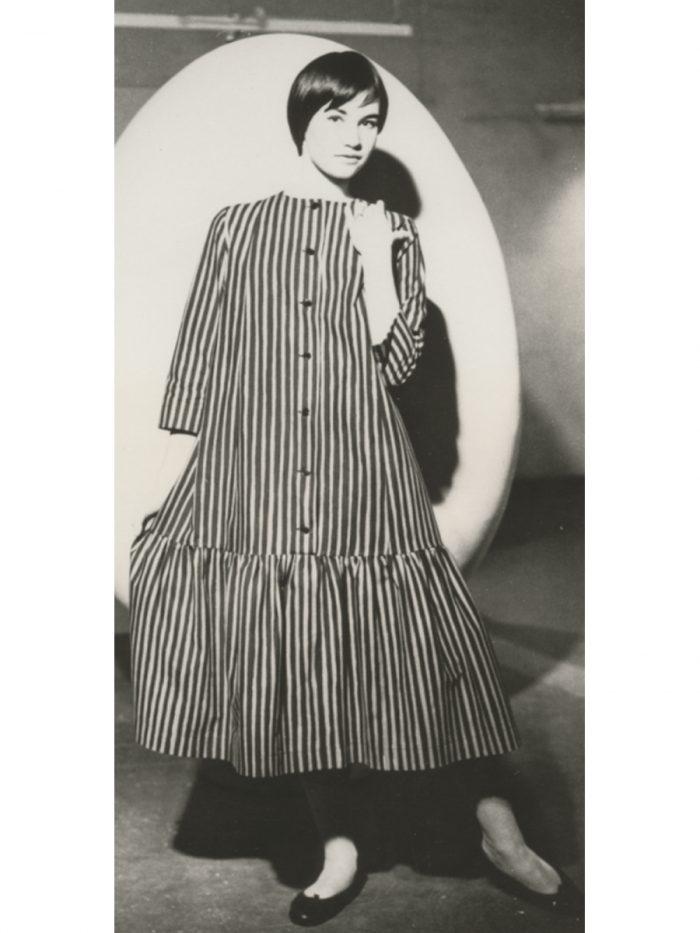 ドレス『キヴィヤルカ』、1957年 ファブリック『ピッコロ』(ピッコロ[擬音])、1953年、服飾・図案デザイン:ヴオッコ・ヌルメスニエミ Design Museum Archive
